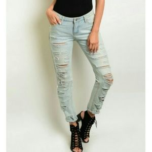 Denim - SIGNITURE 8 Light Wash Ripped Jeans